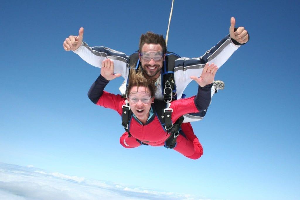 Un saut en parachute avec Guillaume Lemay-Thivierge chez Parachute Voltige dans Lanaudière