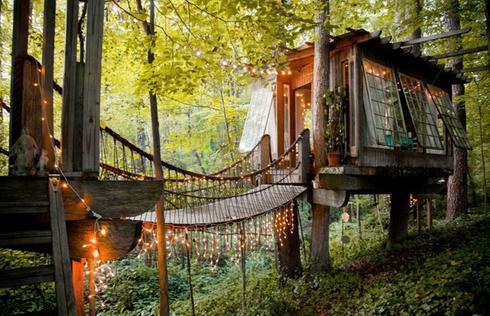 Cette cabane dans les arbres est magique, et vous pouvez la louer!