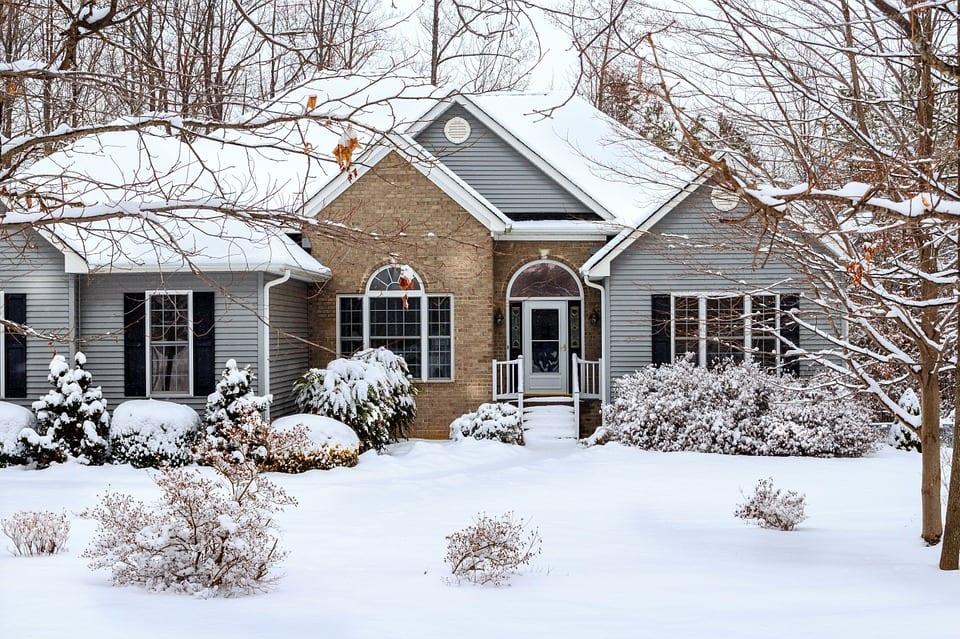 Quatre étapes pour préparer votre maison à l'hiver avant la première neige