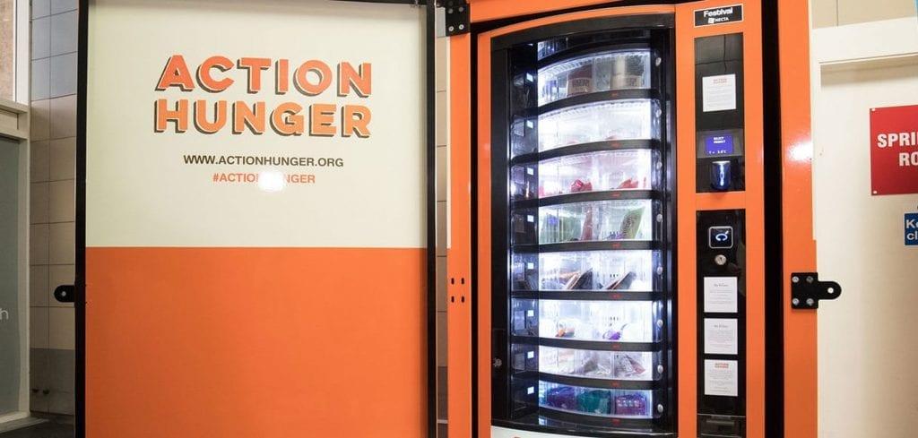 À Nottingham, le premier distributeur gratuit destiné aux sans-abri