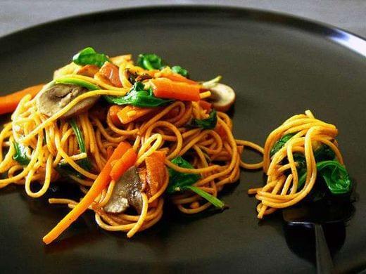Agrémentez vos repas d'été de nouilles végétariennes