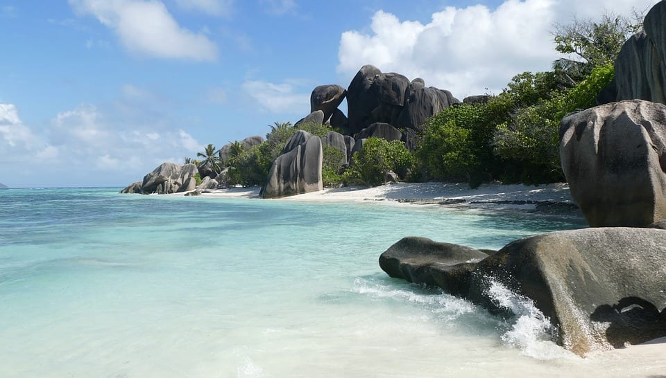 La plage de L'Anse Source d'Argent fait fureur, est-ce la meilleure plage