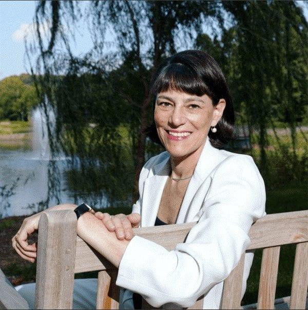 Veronica Stoddart, ancienne rédactrice en chef de @usatoday, sur l'importance des voyages.