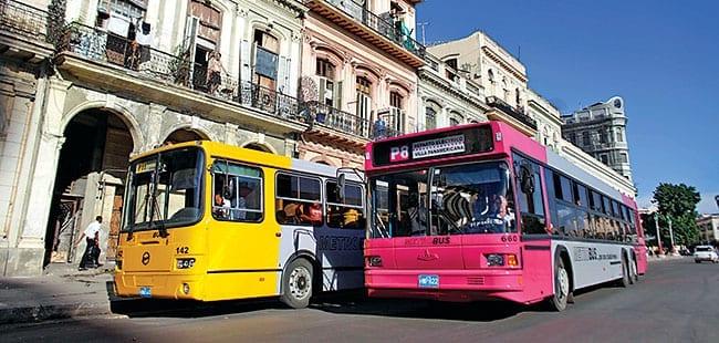 bus 'Guagas' ou cubains