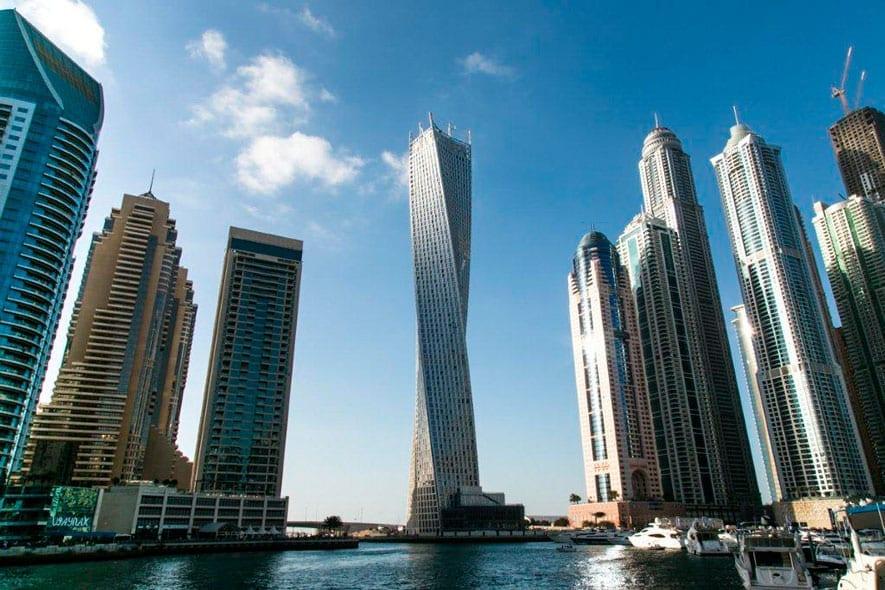 Tour Cayan : Le deuxième plus grand bâtiment de grande hauteur au monde avec une rotation de 90 degrés.