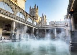 Les bains romains et la ville géorgienne de Bath