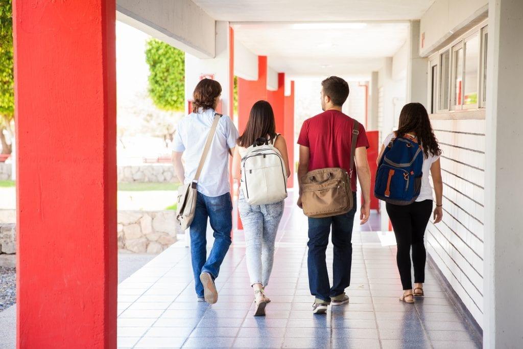 Cinq conseils pour aider vos enfants à gérer leur argent à l'école
